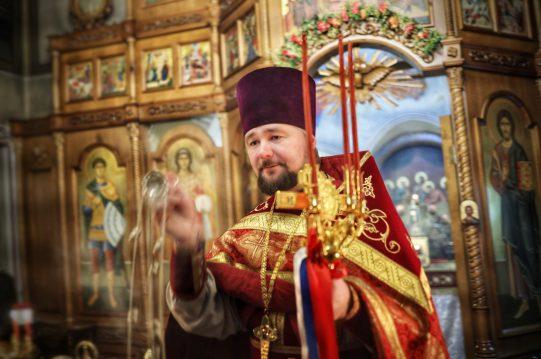 <b> Христос Воскресе! </b> Поздравление настоятеля священника Дмитрия Березина