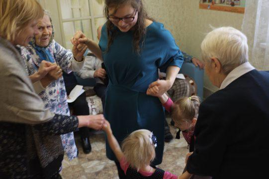 <b>6 ноября 2017 г.</b> Прихожане Казанского храма поздравили с нашим престольным праздником подопечных пансионата для пожилых людей